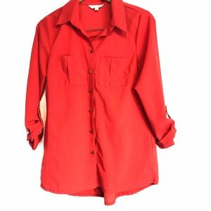 CC sz m red button front roll tab collared blouse
